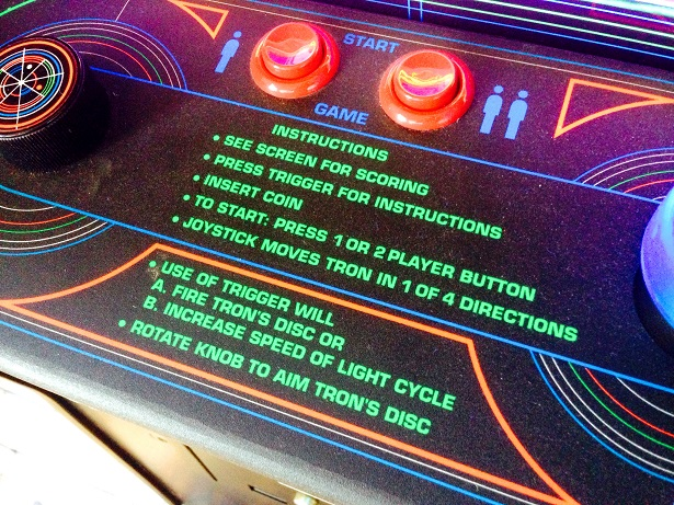 tron-arcade-game-for-rent