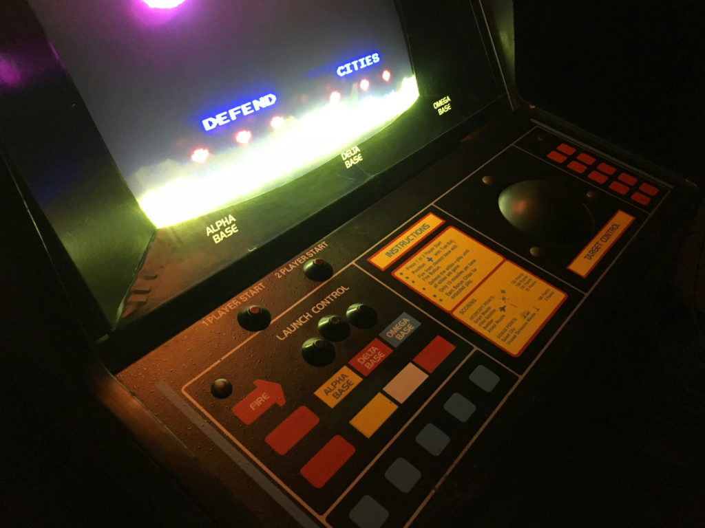 missile-command-vintage-arcade-machine