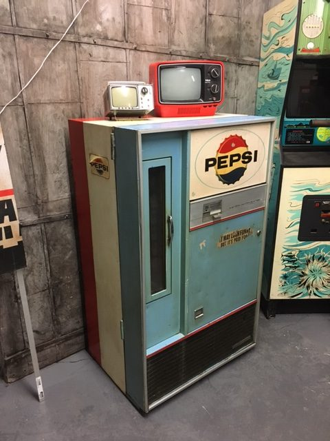 vintage-pepsi-machine-prop-new-york