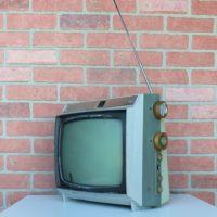 VINTAGE-TV-PROP-RENTALS-NY-10