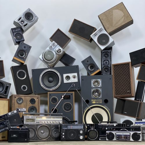 vintage-speaker-and-boombox-80s-party-prop-rentals-new-york
